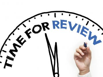 menulis review