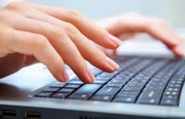 mengetikkan tugas,skripsi,makalah dan lain - lain