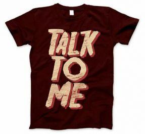 memasang desain anda pada T-Shirt Mockups  untuk anda pampang di toko online anda