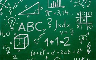 Mengerjakan pr matematika anda