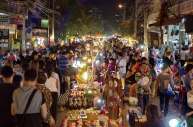 memberikan info street food di bangkok thailand