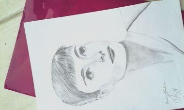 menggambar portrait wajah siapapun dengan pensil