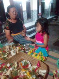 Memberikan tips berlibur dan tempat-tempat menarik di Bali yg ingin diketahui, juga menerima curhat dan memberi saran