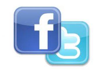 menjadi admin fb dan twitter anda