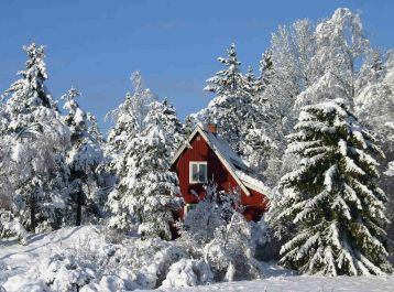 memberikan link download 50 wallpaper cantik bertema 'musim dingin dan Natal'