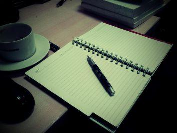 menulis puisi,cerpen dan karangan apapun serta aku bisa juga buat doc word,excel & powerpoint