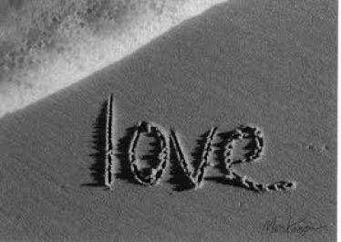 membuatkan puisi romantis untuk pasangan anda untuk hari valentine