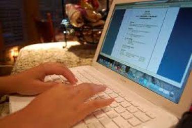 membantu meringankan tugas anda dalam pembuatan naskah, proposal, makalah maupun pengetikan lainnya serta entry data excel