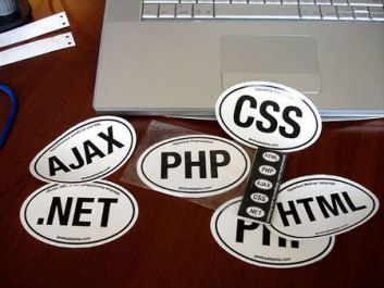 membuat 1 halaman web berisi php,css,javascript dan mysql