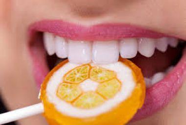 Memberikan panduan cara merapihkan Gigi secara Alami