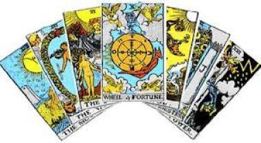 membaca tarot tentang masa depan anda. tentang percintaan, karir, kesehatan , masalah kedepan dll