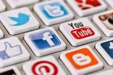 Membuatkan Email,Facebook,Twitter,Pad,Instagram,dan masih banyak lainnya