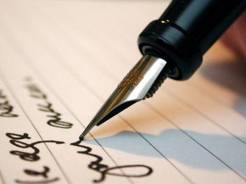 menuliskan puisi tentang apapun yang anda minta